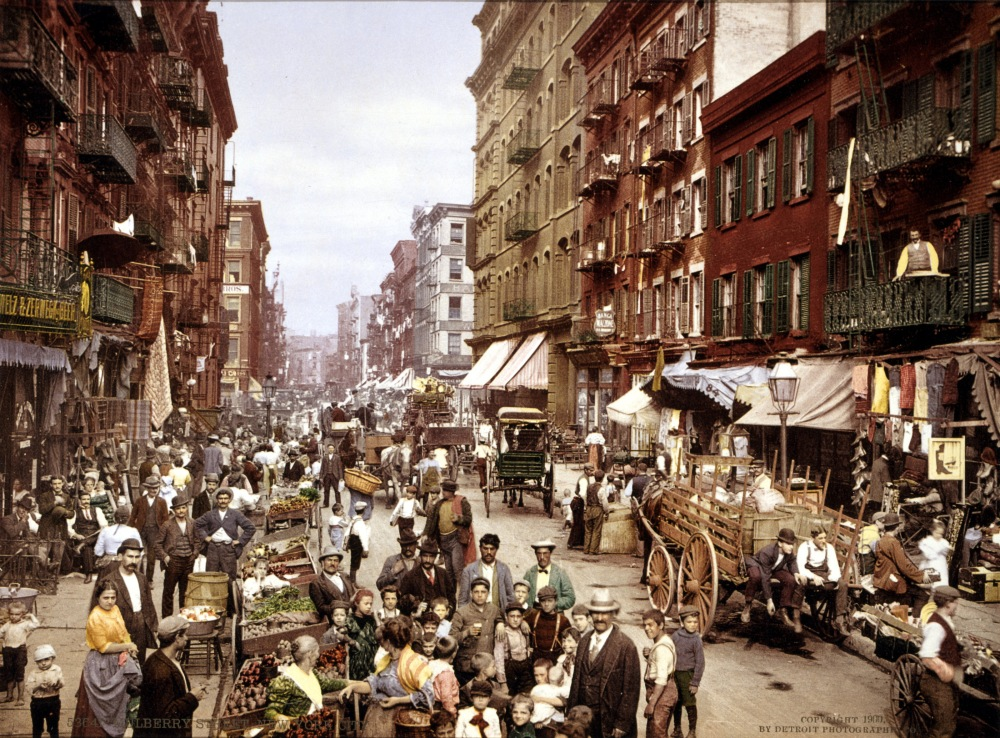 Mulberry_Street_NYC_c1900_LOC_3g04637u_edit